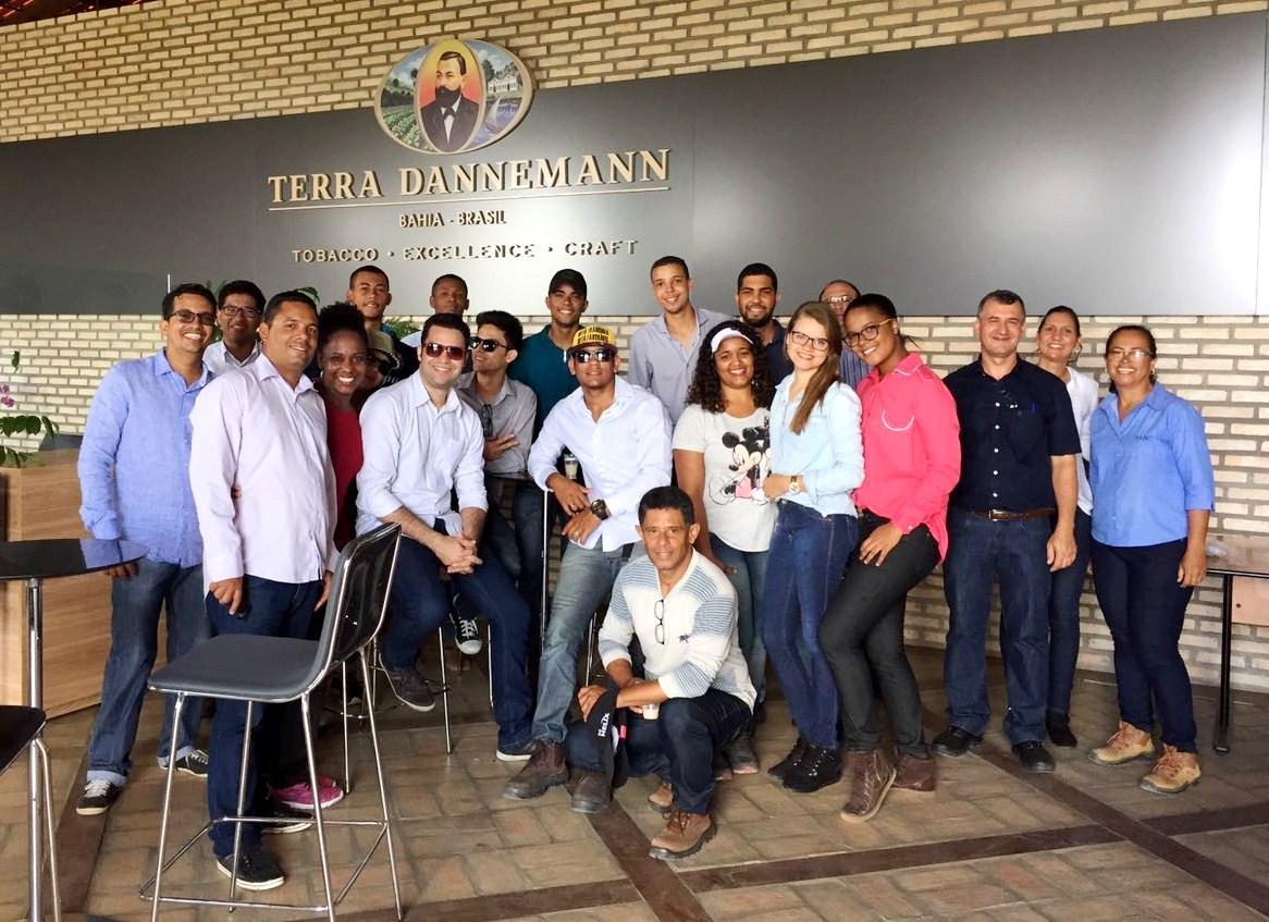 Estudantes de Engenharia de Produção em visita técnica à DANCO.