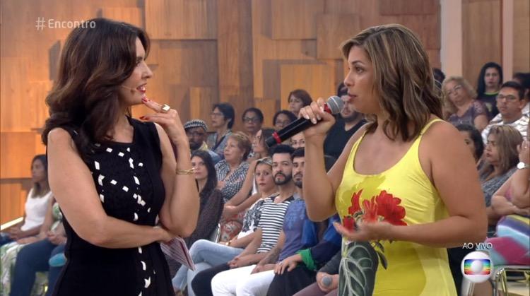 Flávia Marques sendo entrevistada pela apresentadora Fátima Bernardes.