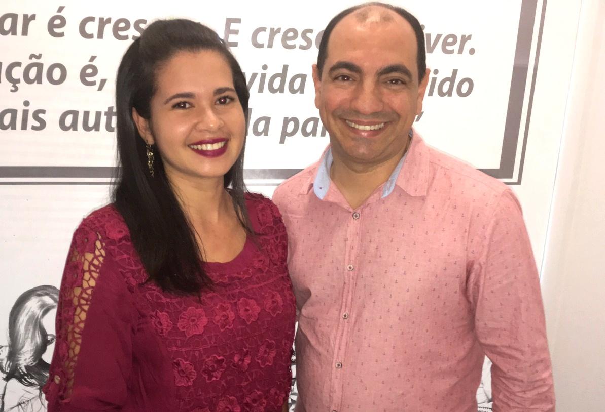 Estudante Maynara Anjos e o professor Me. Marcos Gilberto dos Santos.