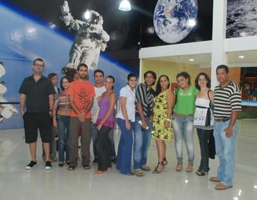 Alunos e professores em visita ao Parque do Saber