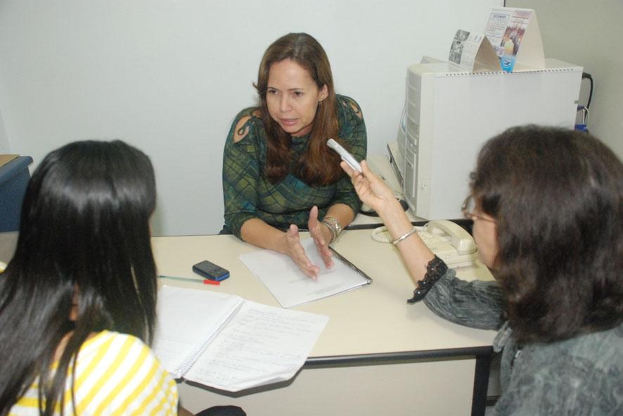 Profª Ana Sacramento e estudantes do 5º semestre de Jornalismo
