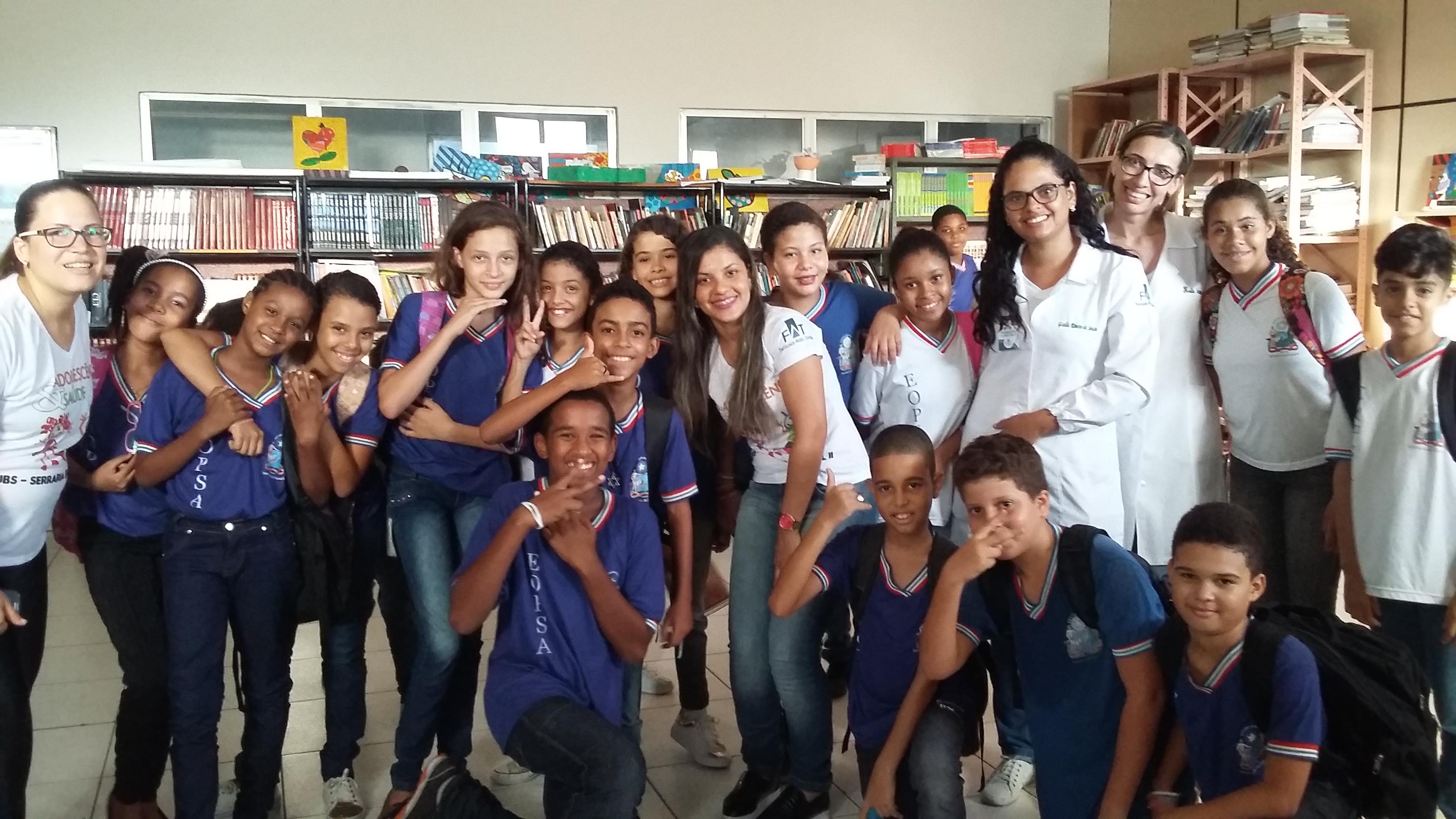 Estudantes da Escola Obra Promocional de Santana atendidos por alunos da FAT.