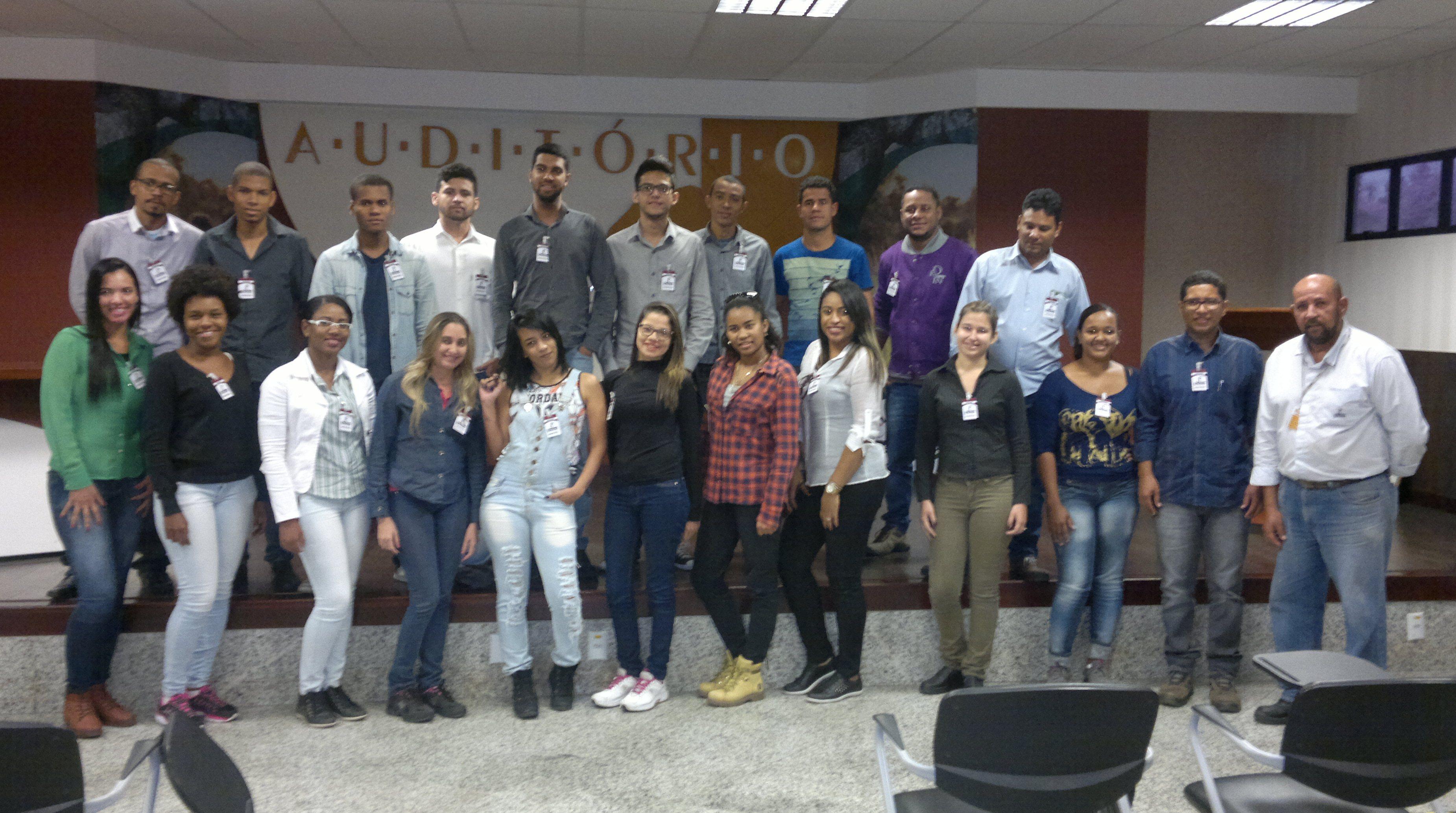 Ferbasa: alunos conheceram a estrutura organizacional da empresa