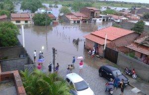 Rios que passam pela cidade transbordaram com as últimas chuvas. Foto: Jacobina