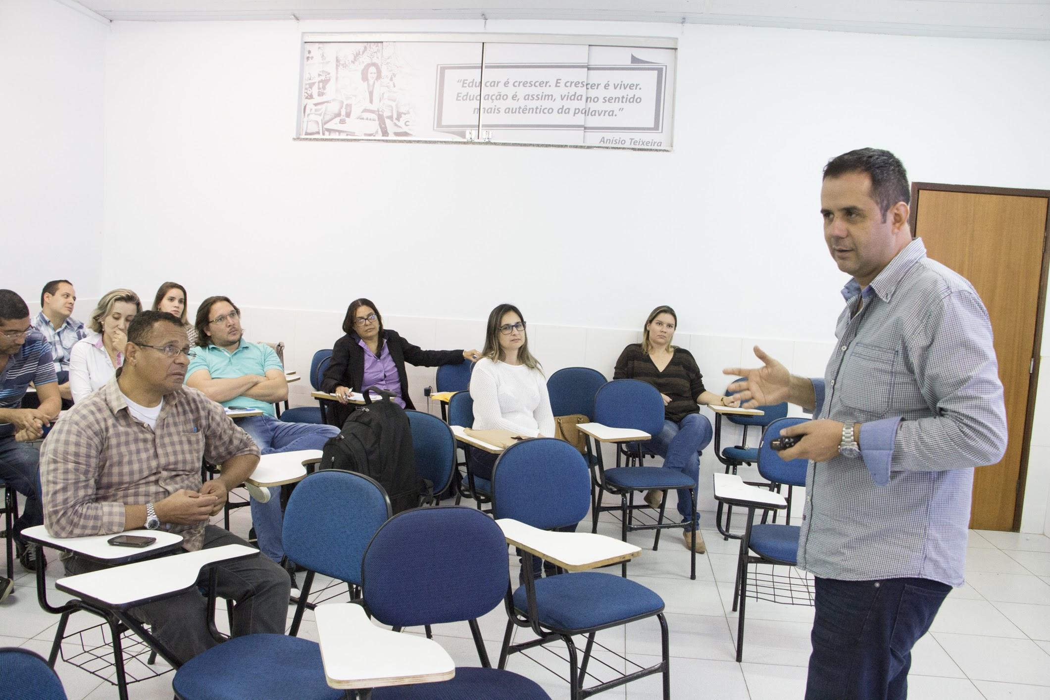 Prof. Dr. Miguel Rivera levantou discussões sobre os potenciais da pesquisa.