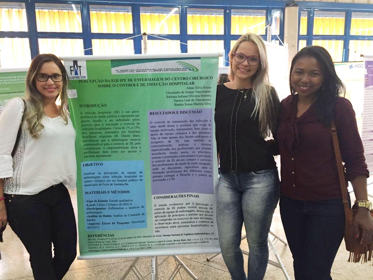 Estudantes-pesquisadoras do curso de Enfermagem da FAT