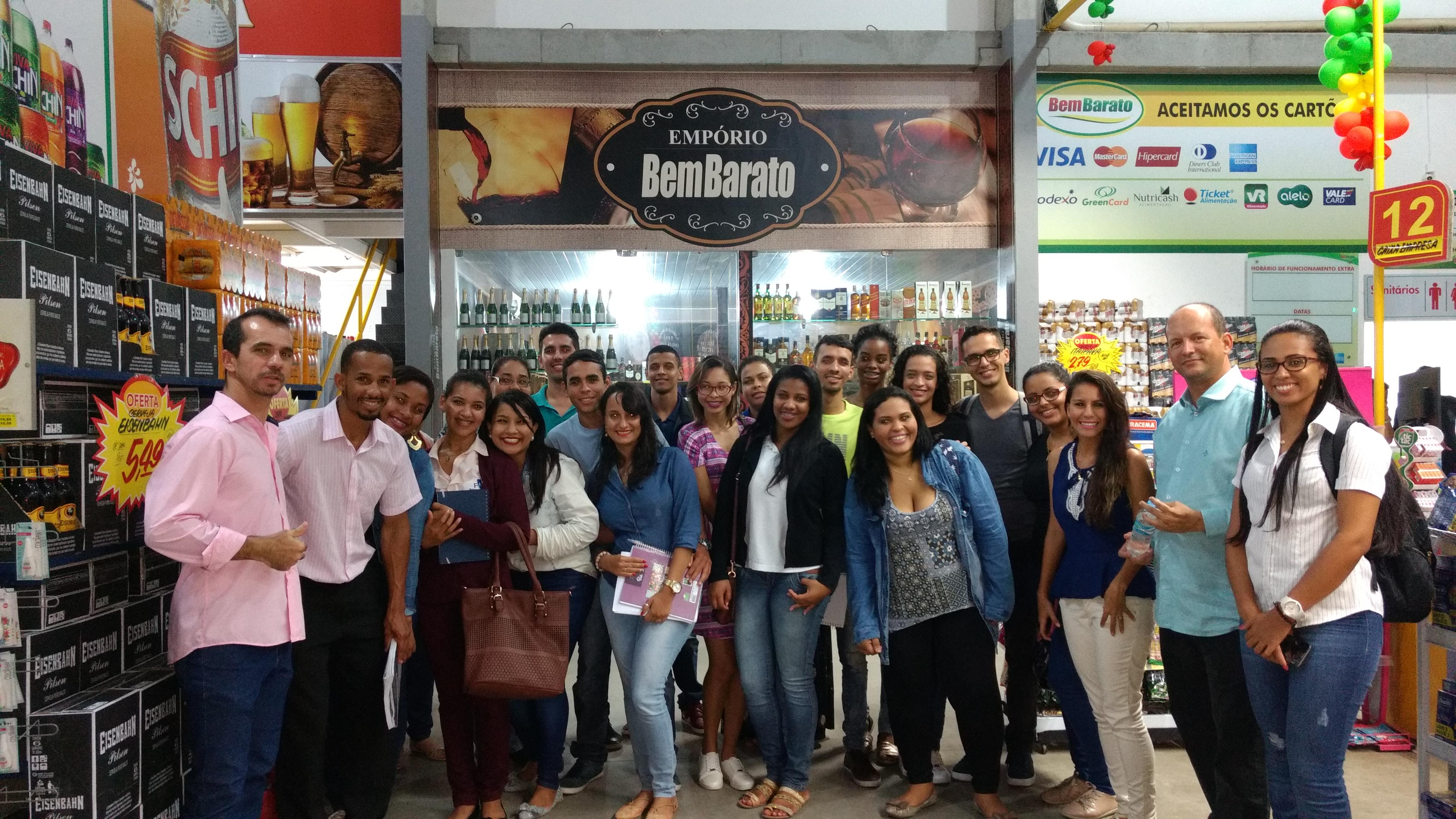 Estudantes do curso de Administração visitaram a empresa Atacadão Bem Barato.